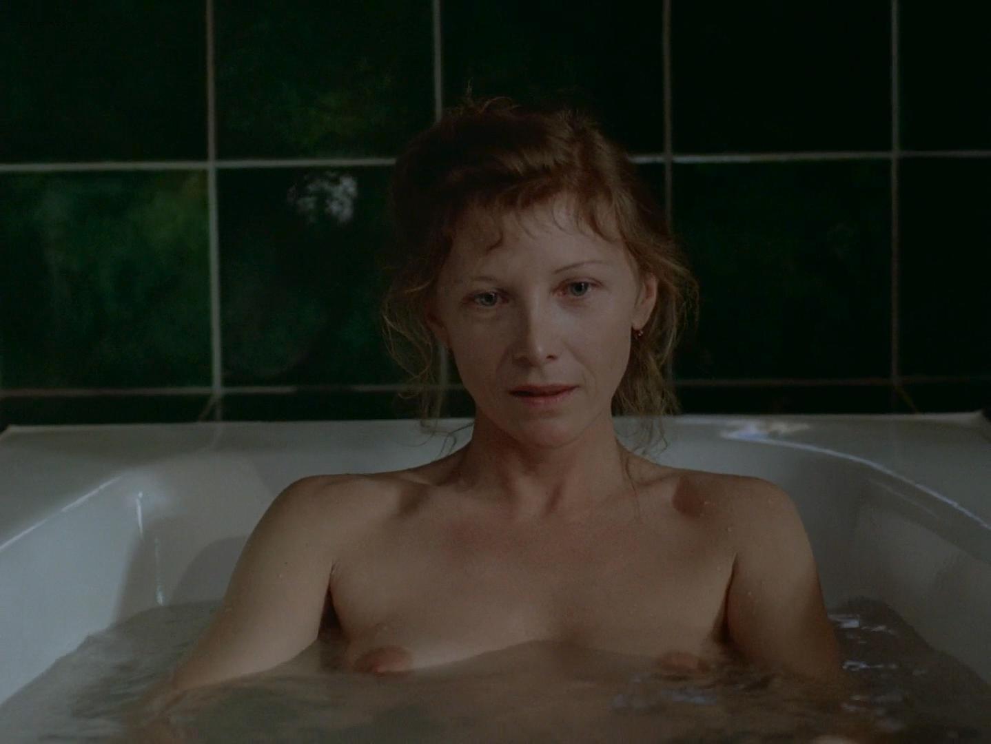 Aurore Clement nude - Le livre de Marie (1986)