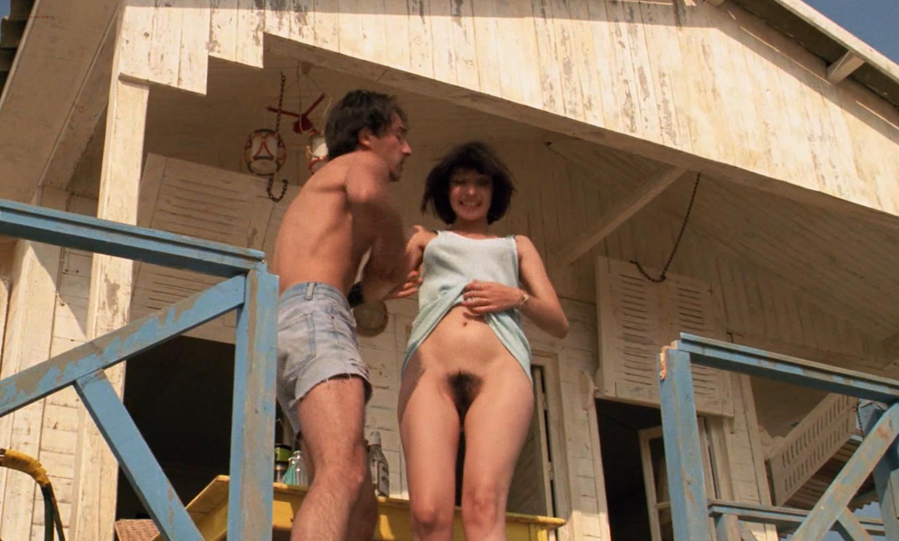 Beatrice Dalle nude - Betty Blue 37 2 Le Matin (1986)