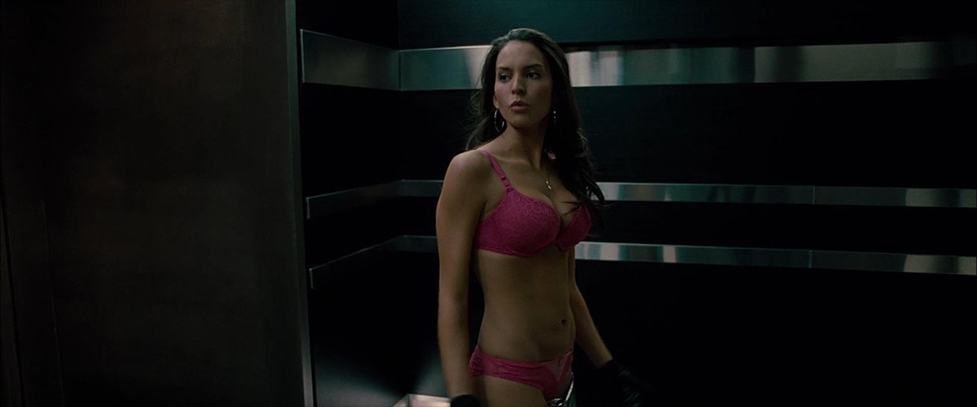 Elizabeth Banks sexy, Genesis Rodriguez sexy - Man on a Ledge (2012)