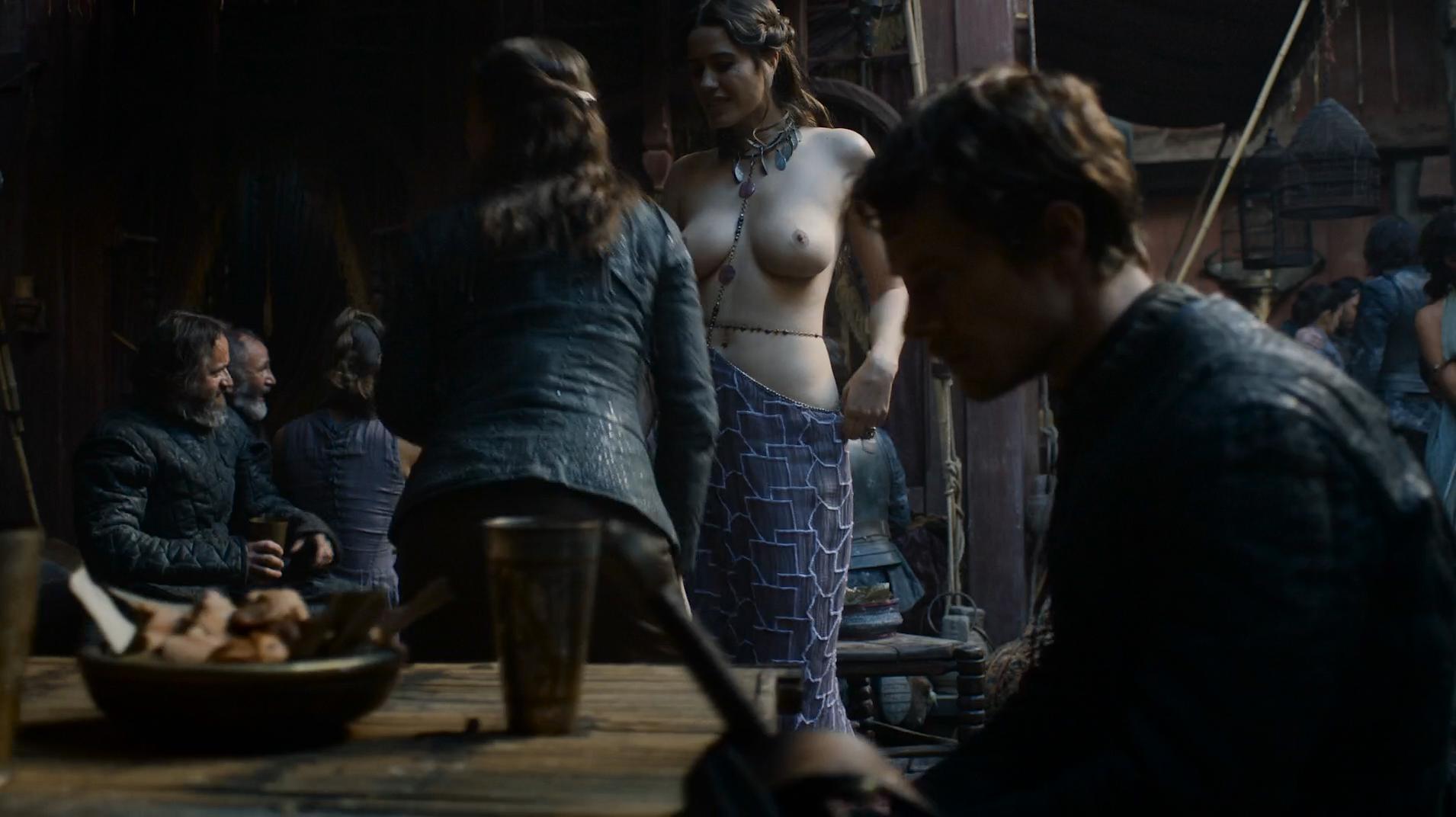 ella hughs nude