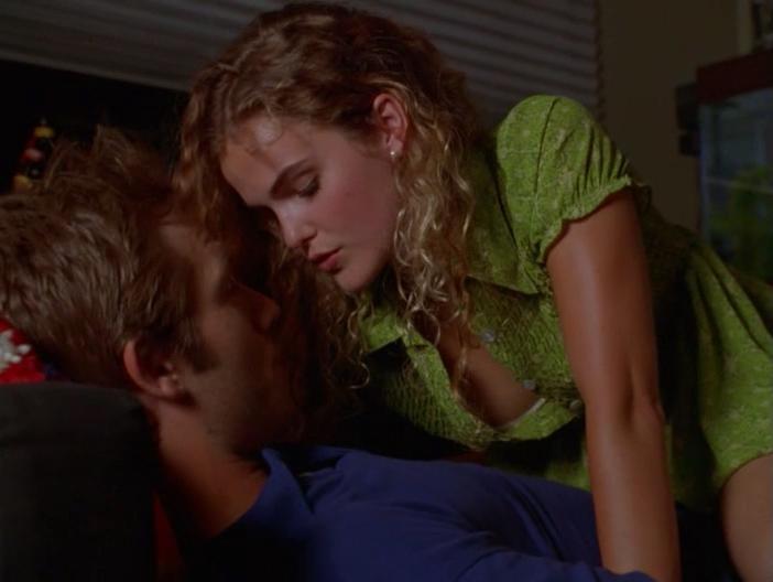 Keri Russell sexy - Dead Man's Curve (1998)