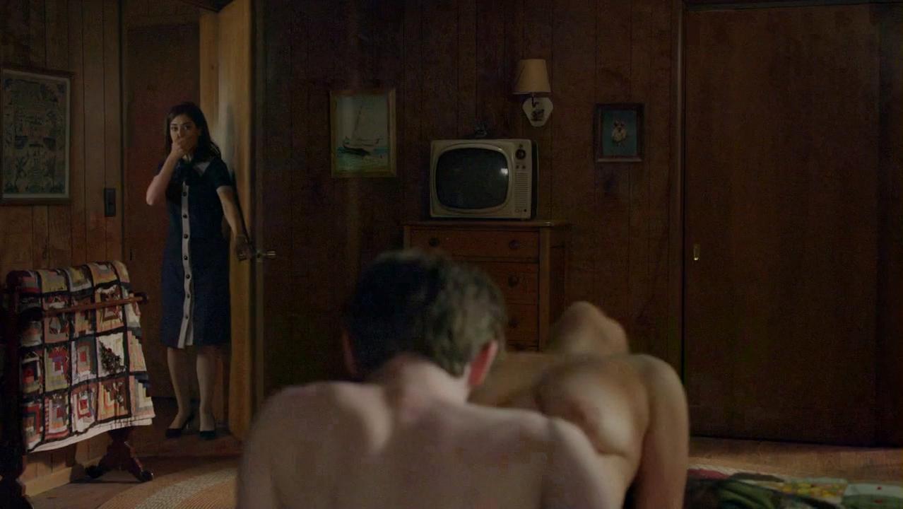 Hanna Hall nude, Isabelle Fuhrman nude - Masters of Sex s03e01 (2015)