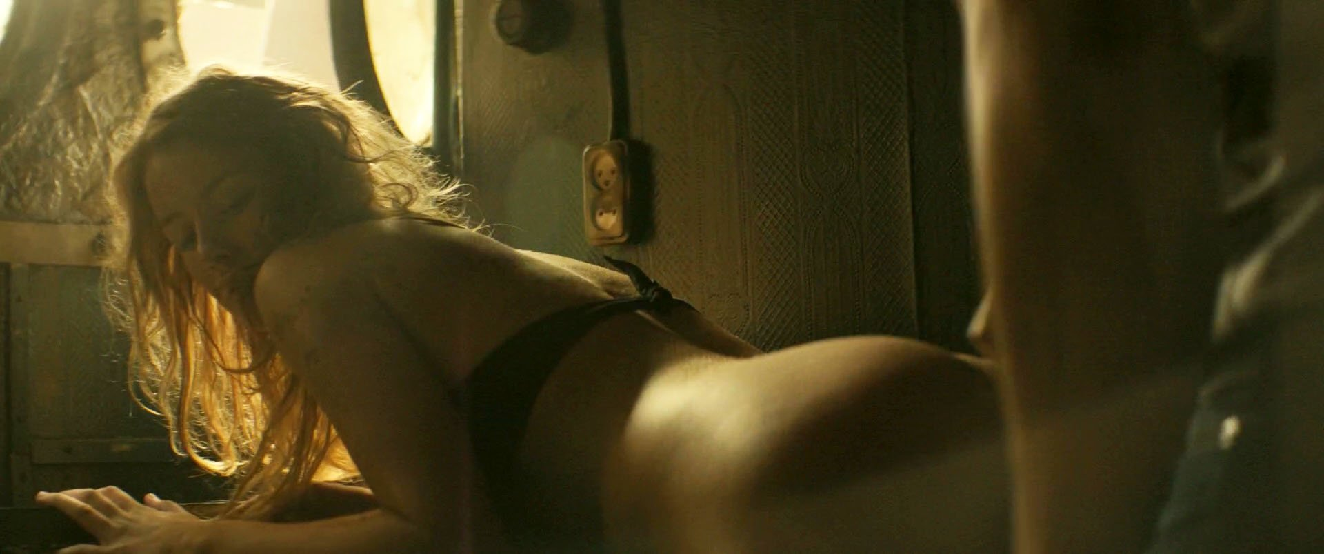 Irina Starshenbaum nude - Black Water (2017)