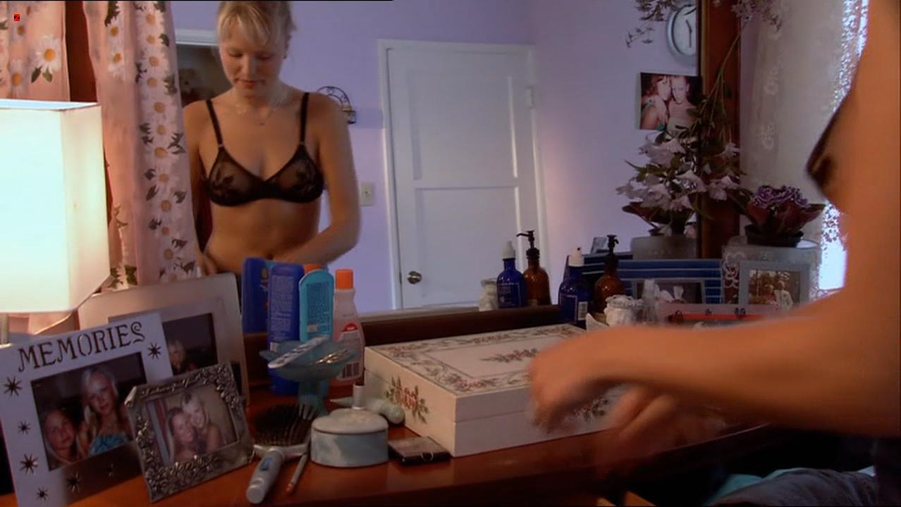 Malin Akerman sexy - The Utopian Society (2003)