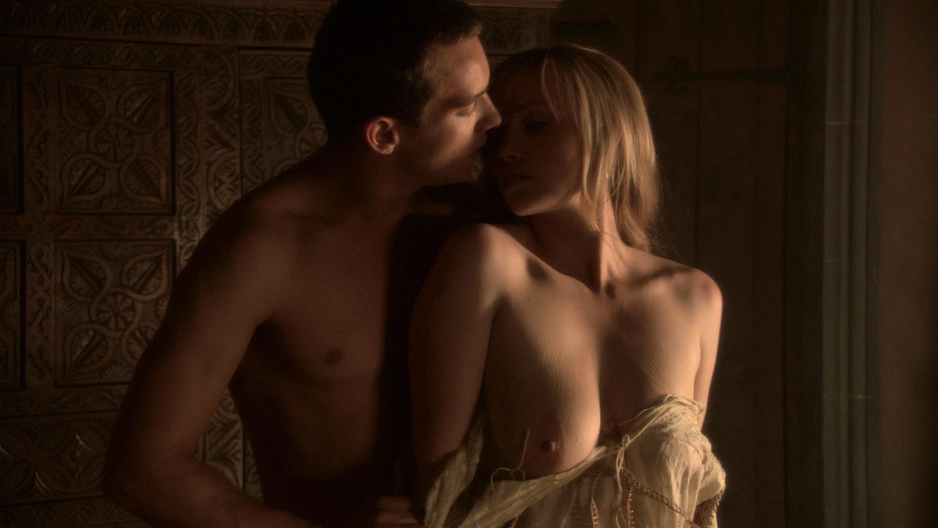 Ruta Gedmintas nude, Anna Brewster nude, Slaine Kelly nude - The Tudors s01e01 (2007)