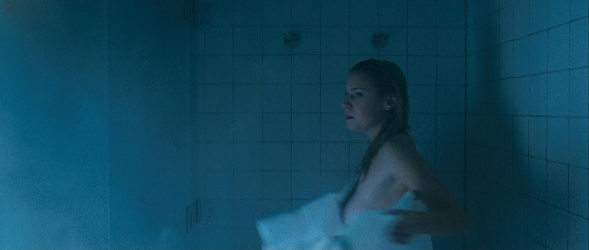 Laura Ramsey nude - The Covenant (2006)