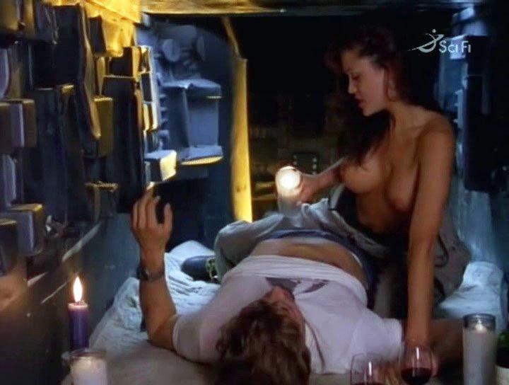 Lisa Boyle nude - Alien Terminator (1995)