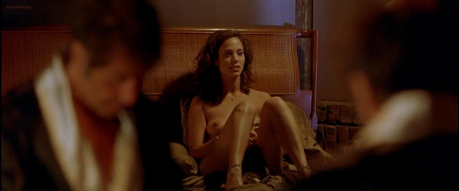 Elizabeth Berkley nude - Any Given Sunday (1999)