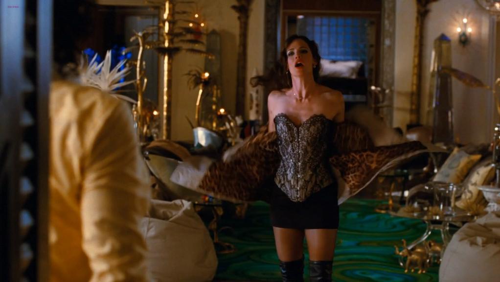 Jennifer Garner sexy - Arthur (2011)