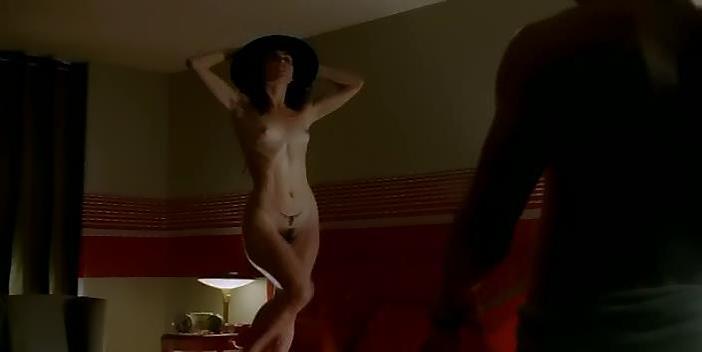 Ana de la Reguera nude - Asi del precipicio (2006)