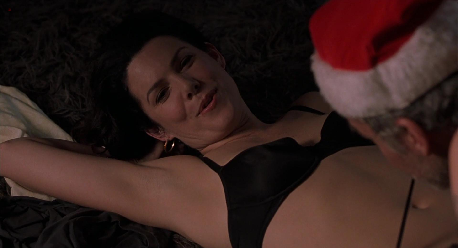 Lauren Graham sexy - Bad Santa (2003)