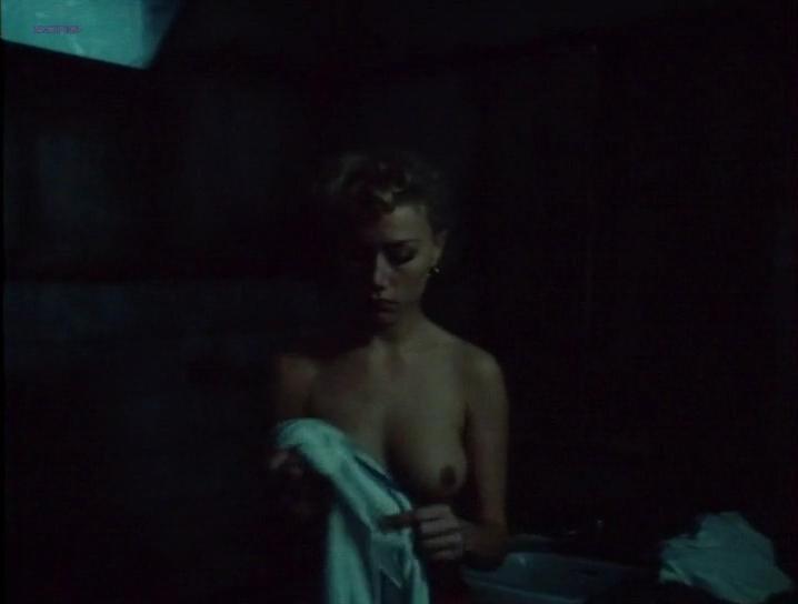 Nancy Brilli nude - Body Count (1987)