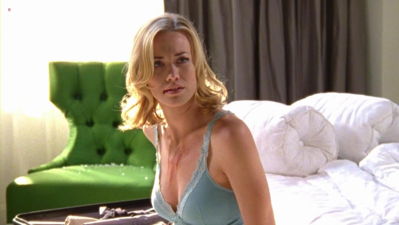 Yvonne Strahovski sexy - Chuck s05e12 (2012)