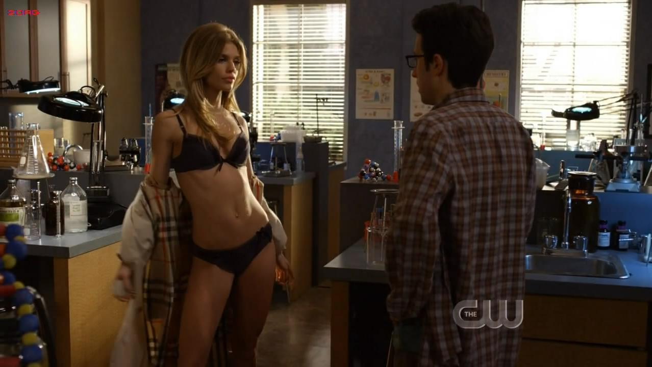 AnnaLynne McCord sexy - 90210 s03e17 (2010)