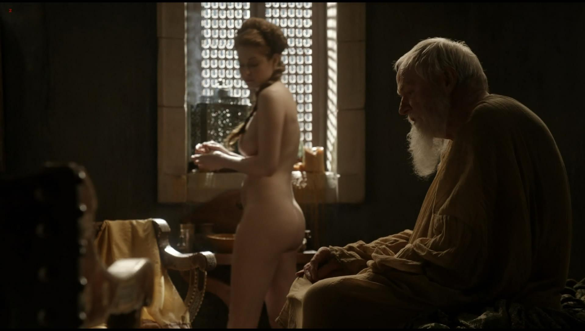 Esme Bianco nude - Game of Thrones s01e10 (2011)