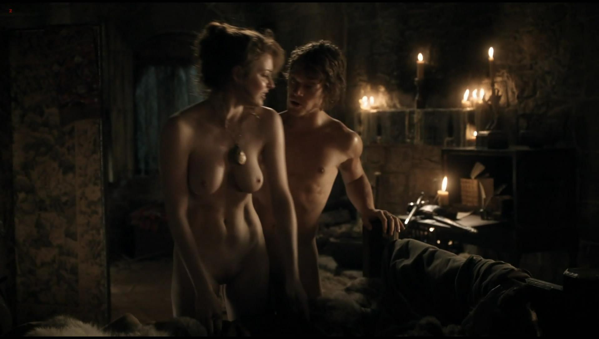 Esme Bianco nude - Game of Thrones s01e05 (2011)