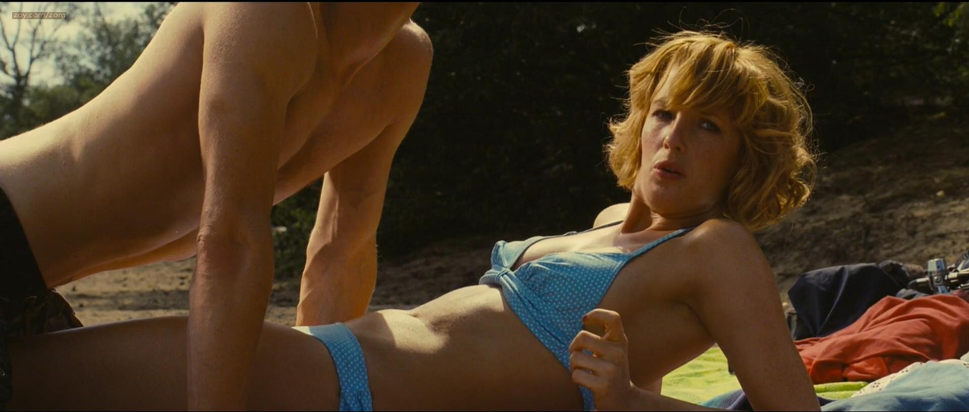 Vanessa hudgens full frontal nude