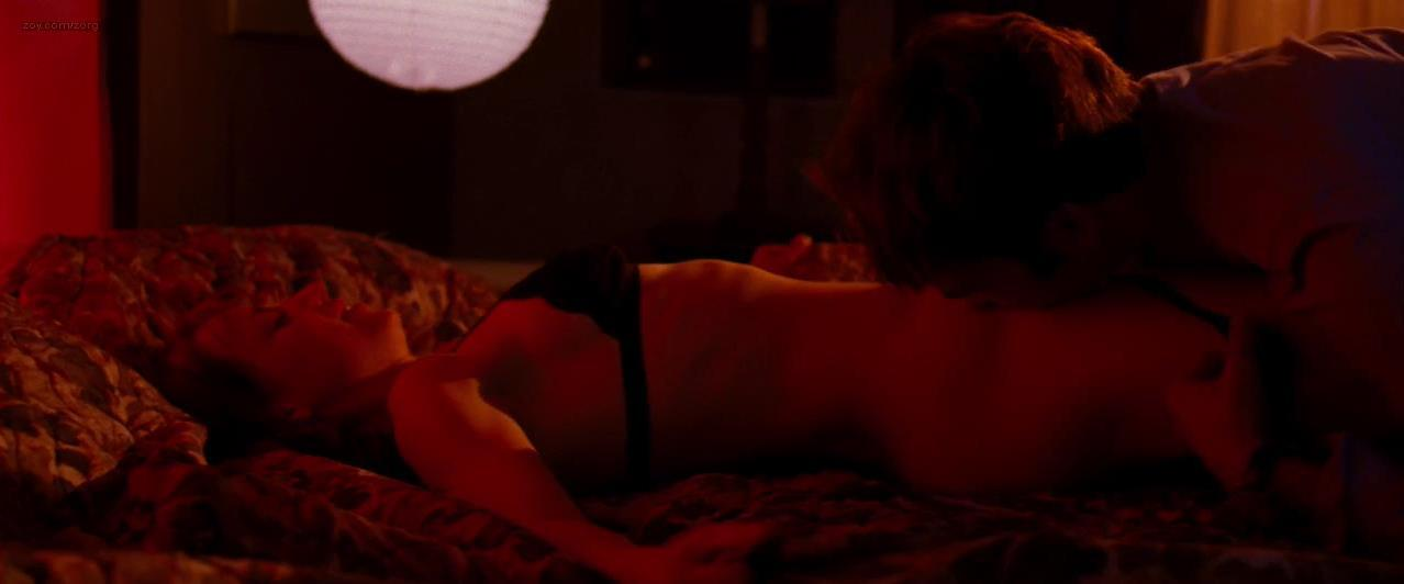 Karine Vanasse nude - I'm Yours (2011)