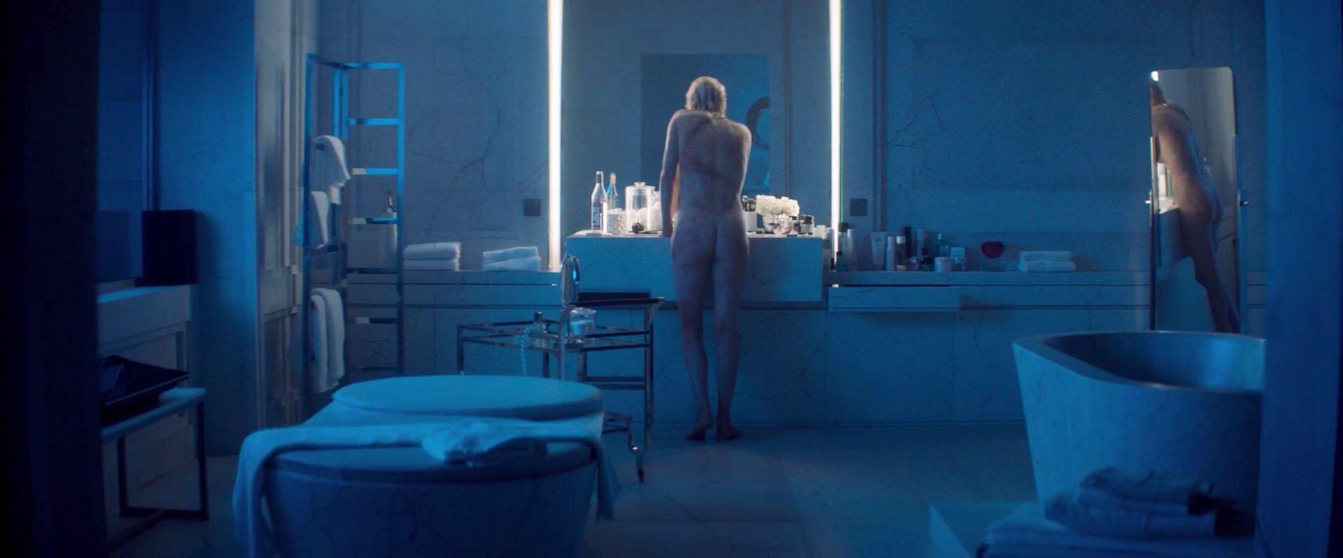 Charlize Theron nude, Sofia Boutella nude - Atomic Blonde (2017)