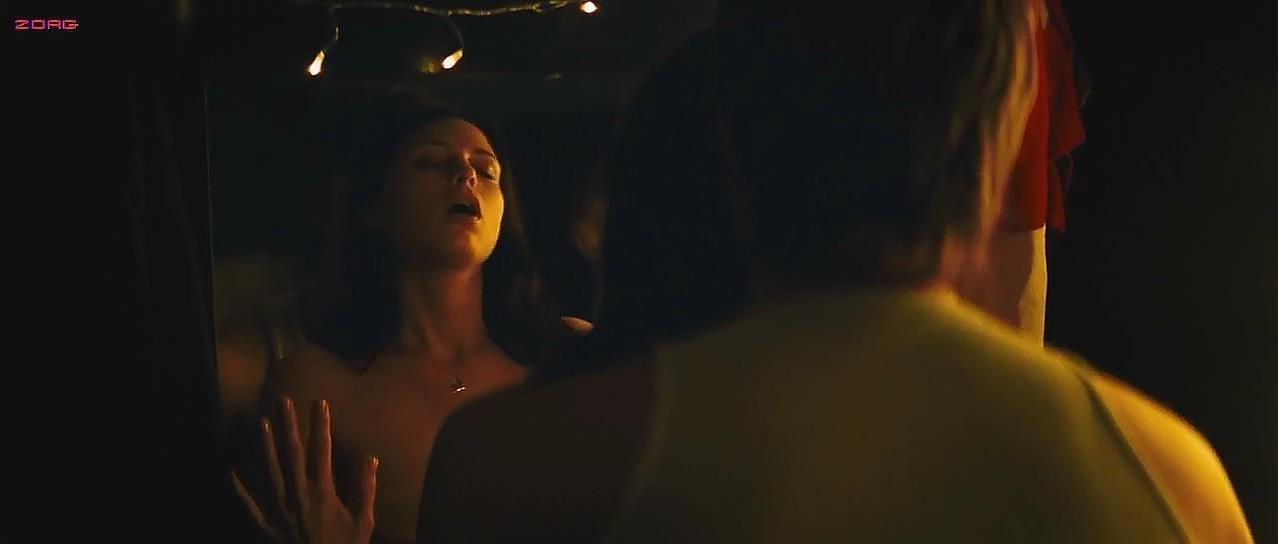 Sara Foster sexy - Psych 9 (2010)