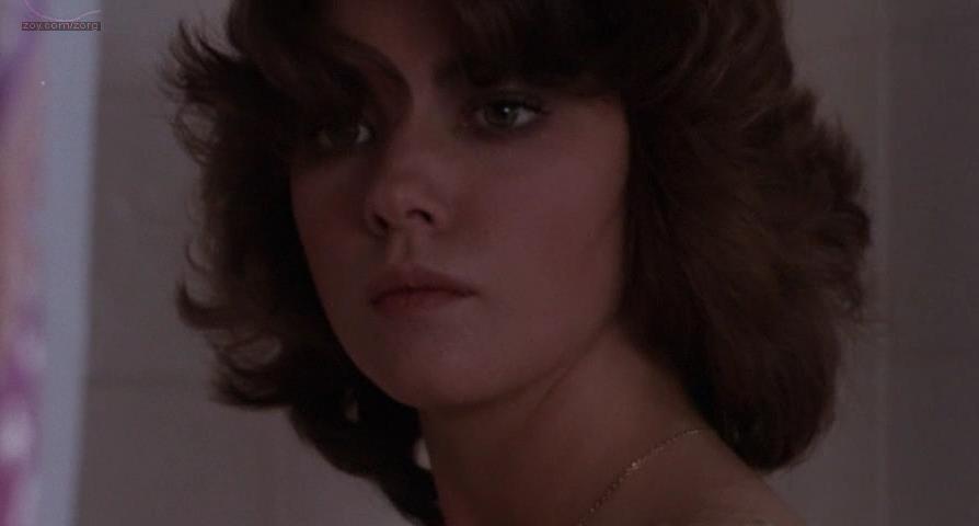 Lynne Frederick nude - Schizo (1976)