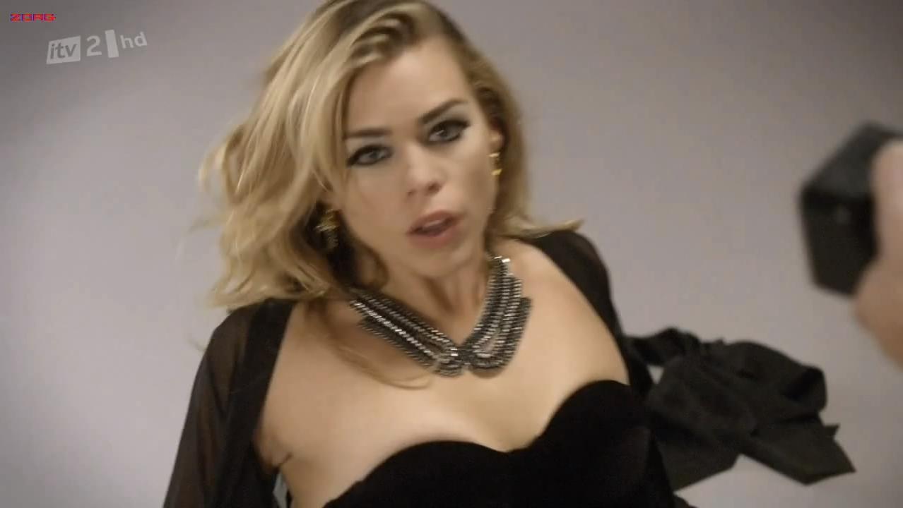 Billie Piper sexy - Secret Diary Of A Call Girl s04e03 (2011)