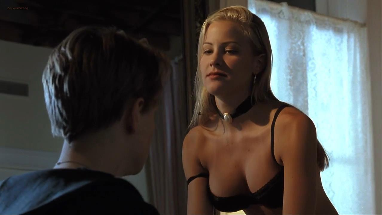 Brittany Daniel sexy, Akiko Ashley nude - The Basketball Diaries (1995)