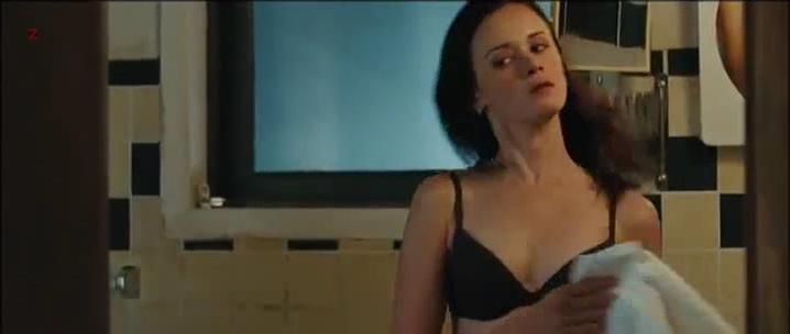 Alexis Bledel sexy - The Kate Logan Afair (2010)