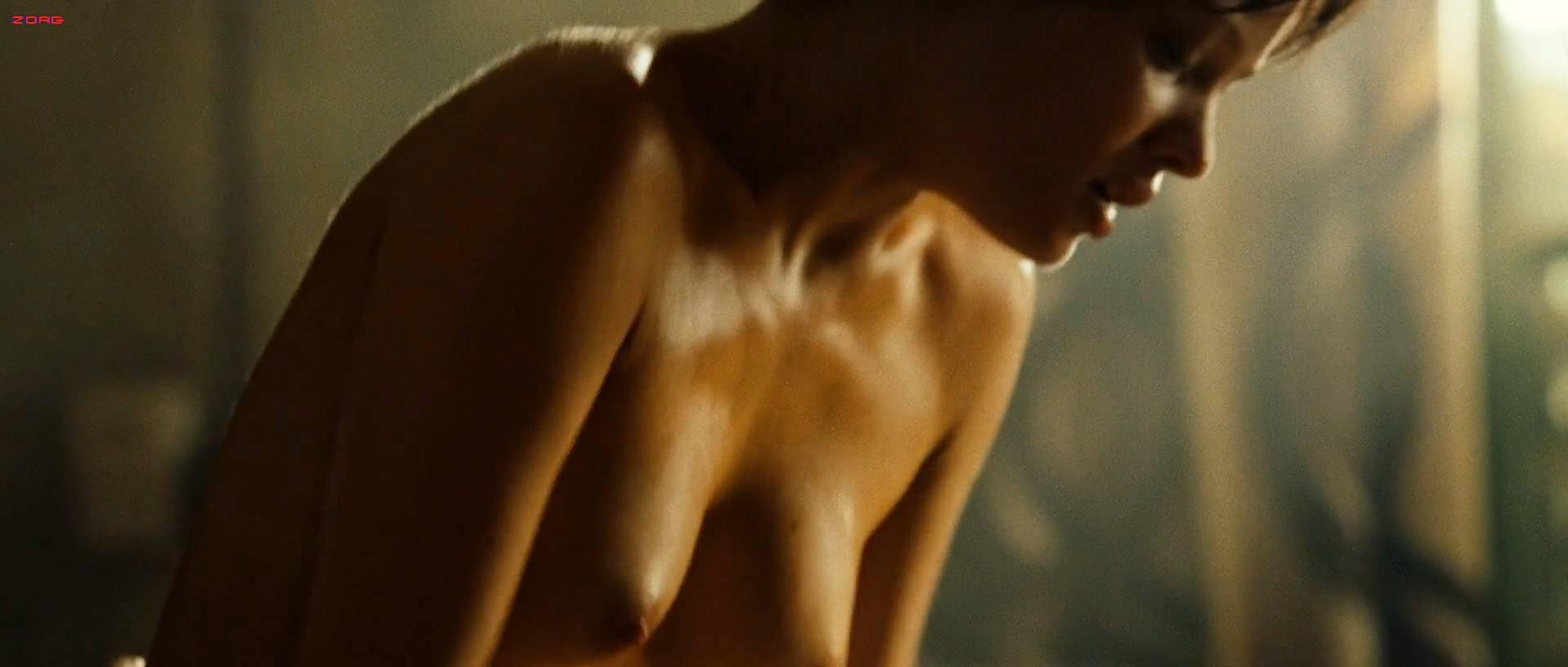 Melanie Thierry nude - Largo Winch (2008)