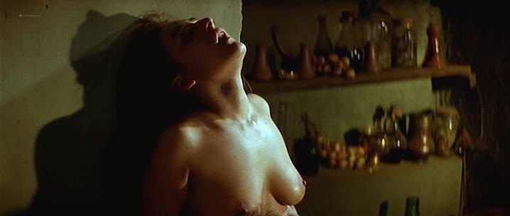 Maribel Verdu nude, Candela Pena nude, Penelope Cruz sexy - La Celestina (1996)