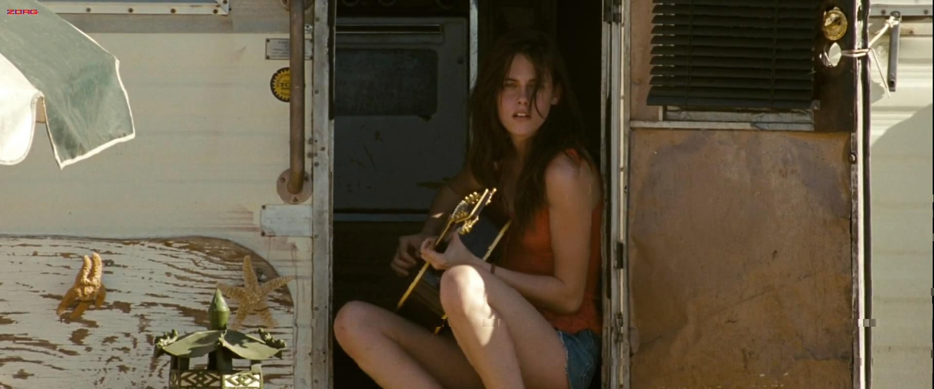 Kristen Stewart sexy - Into the wild (2007)