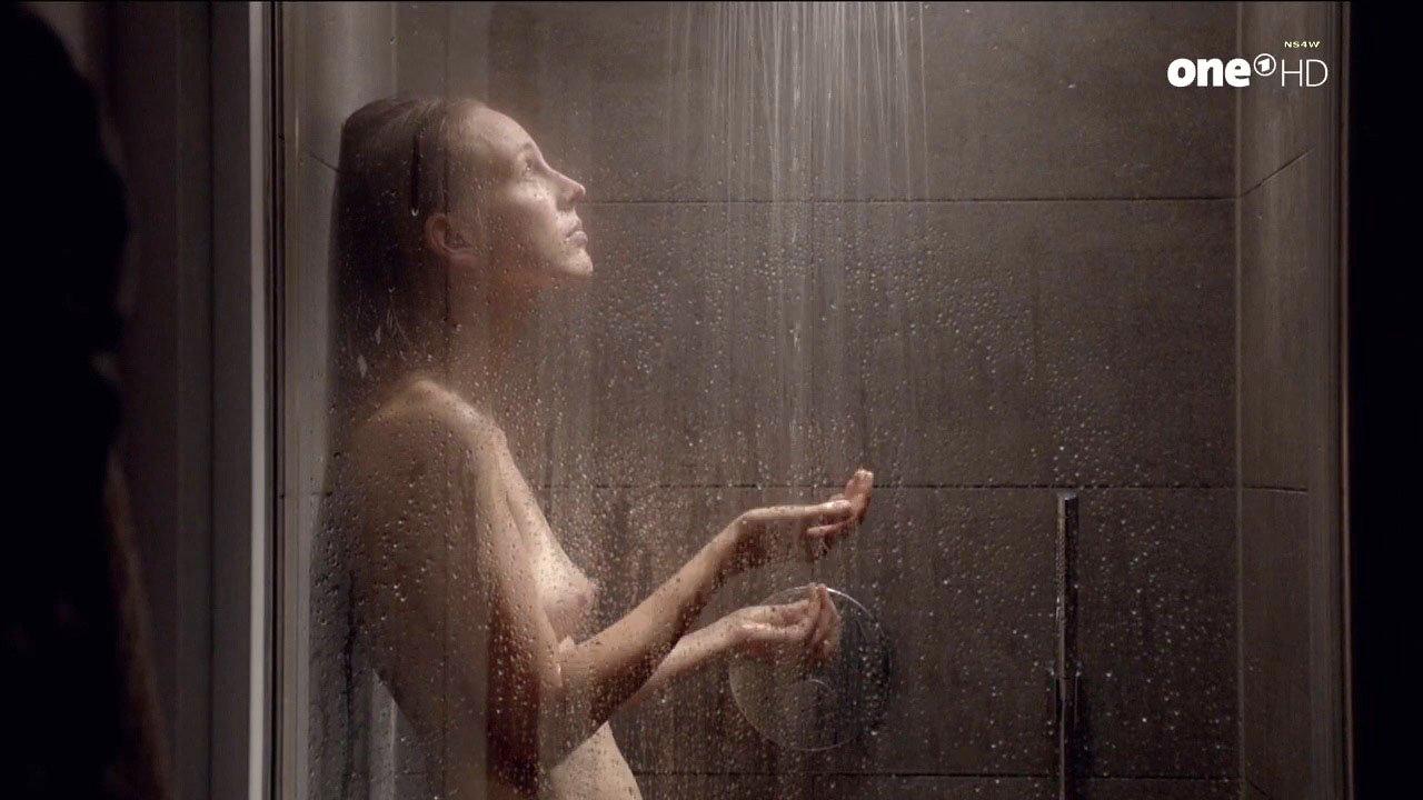 Petra Schmidt-Schaller nude - Ich war eine gluckliche Frau (2017)