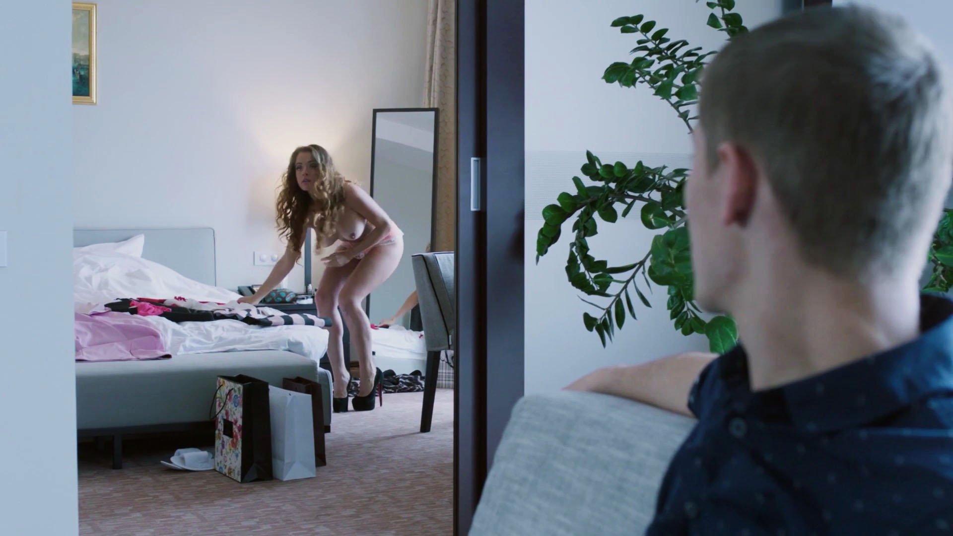 Ekaterina Kabak nude - Shameless RUS s01e22 (2017)