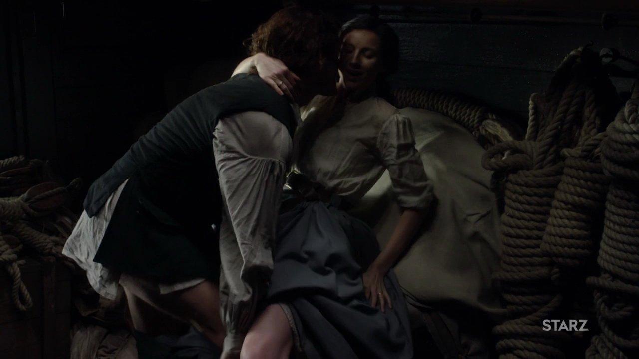 Caitriona Balfe sexy - Outlander s03e02 (2017)