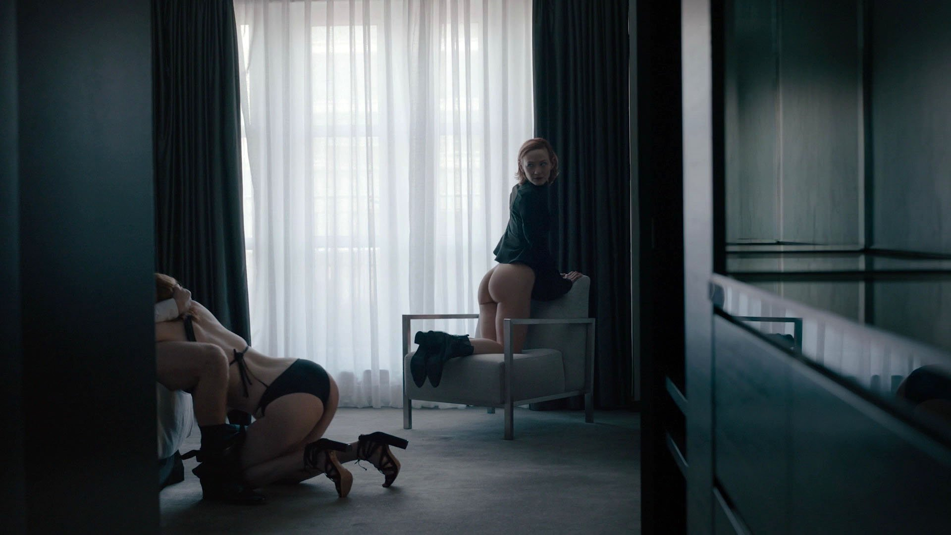 Louisa Krause nude, Gillian Williams nude - The Girlfriend Experience s02e01 (2017)