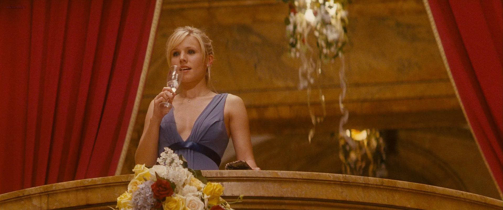 Kristen Bell sexy - When In Rome (2010)