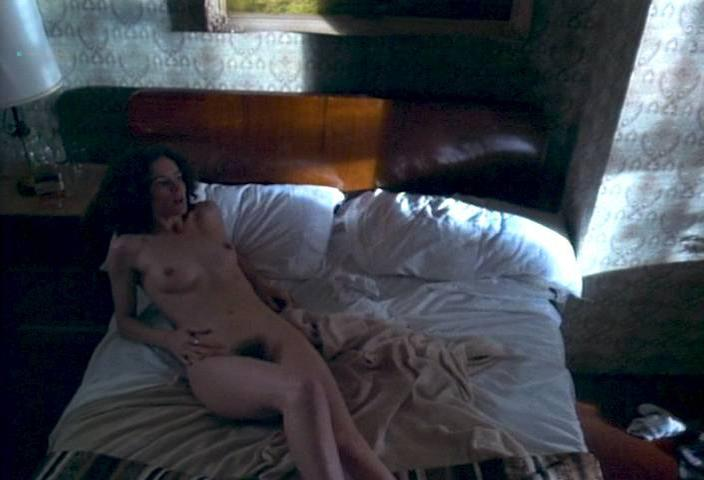 Leslie Hope nude - Paris France (1993)