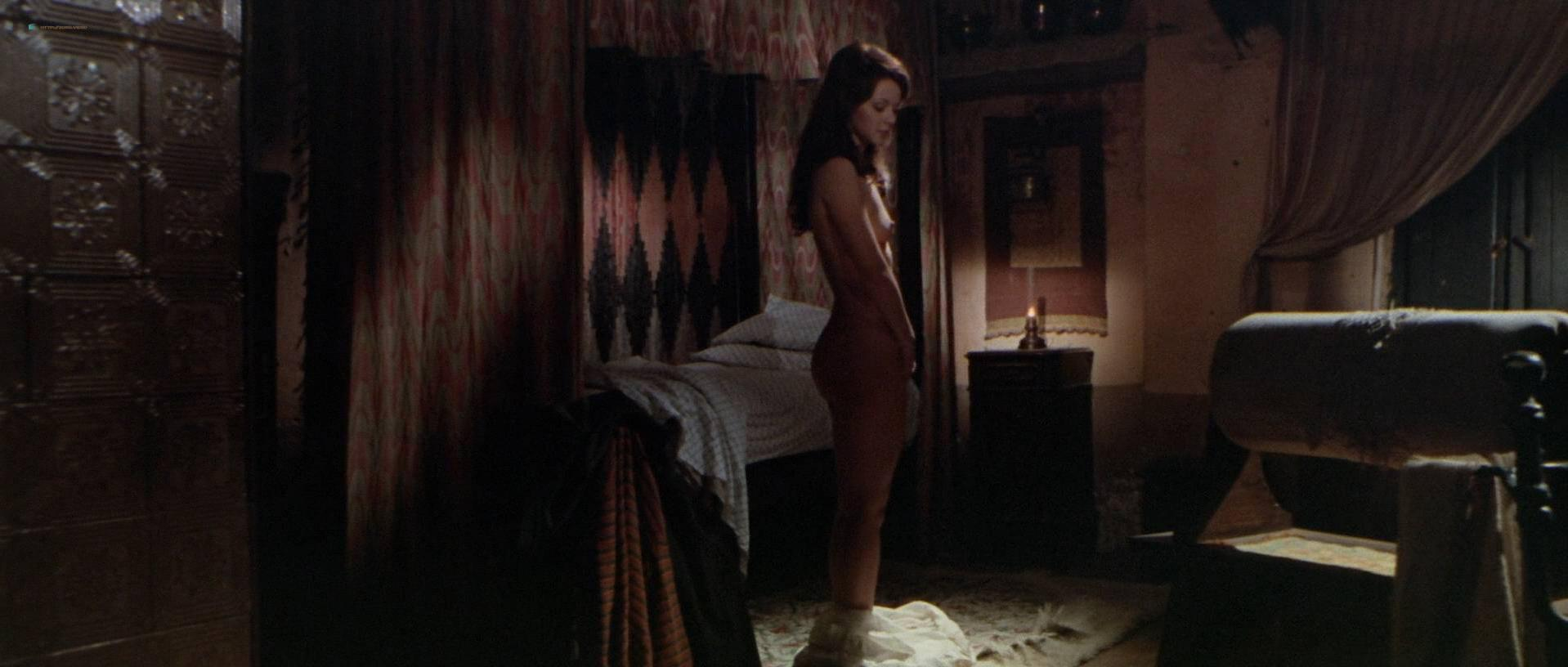 Agostina Belli nude - Night of the Devils (1972)