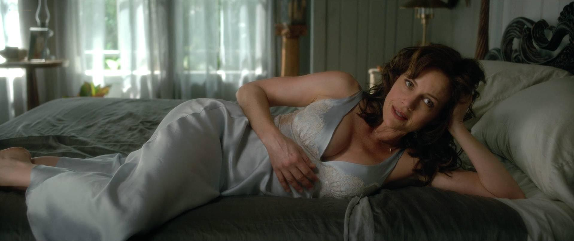 Carla gugino every day 2010 - 2 part 2