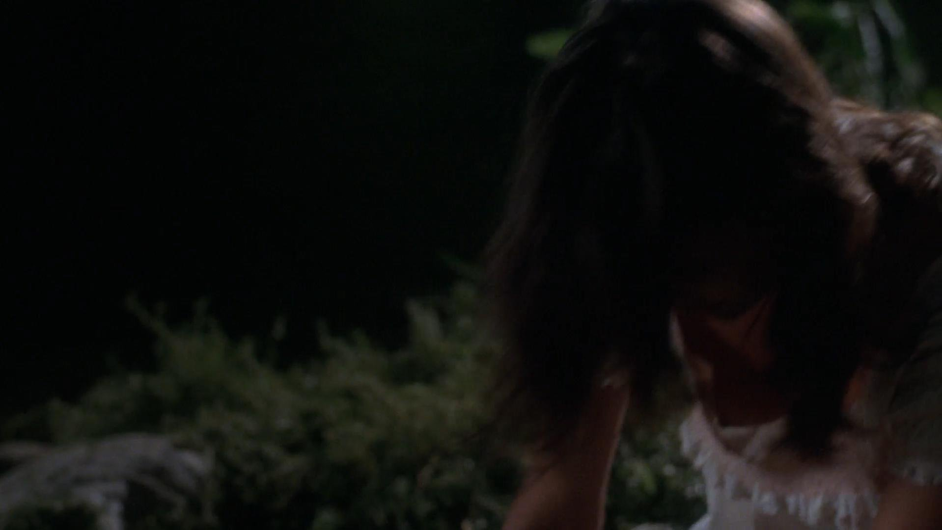 Talisa Soto sexy - Don Juan DeMarco (1995)
