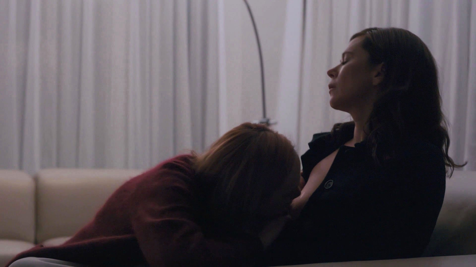 Anna Friel nude, Louisa Krause sexy - The Girlfriend Experience s02e09 (2017)