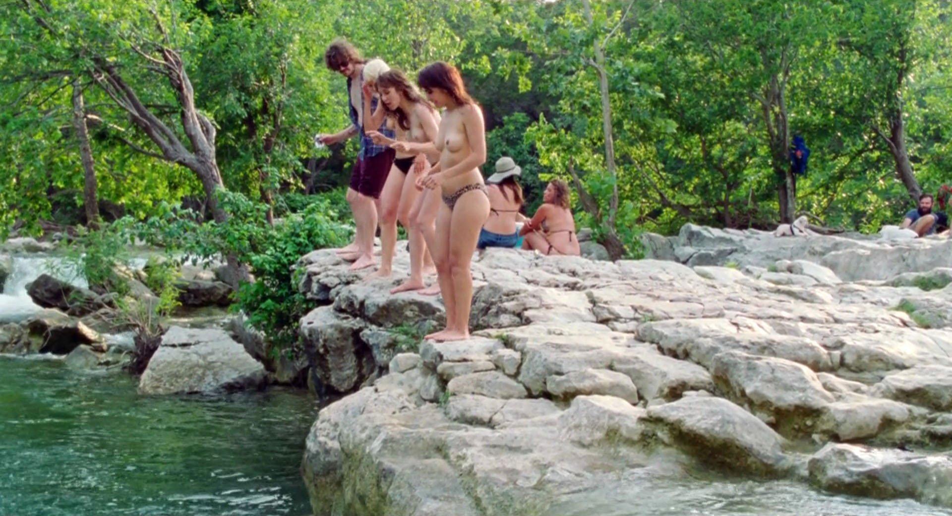 Noel Wells nude, Daniella Pineda nude - Mr. Roosevelt (2017)