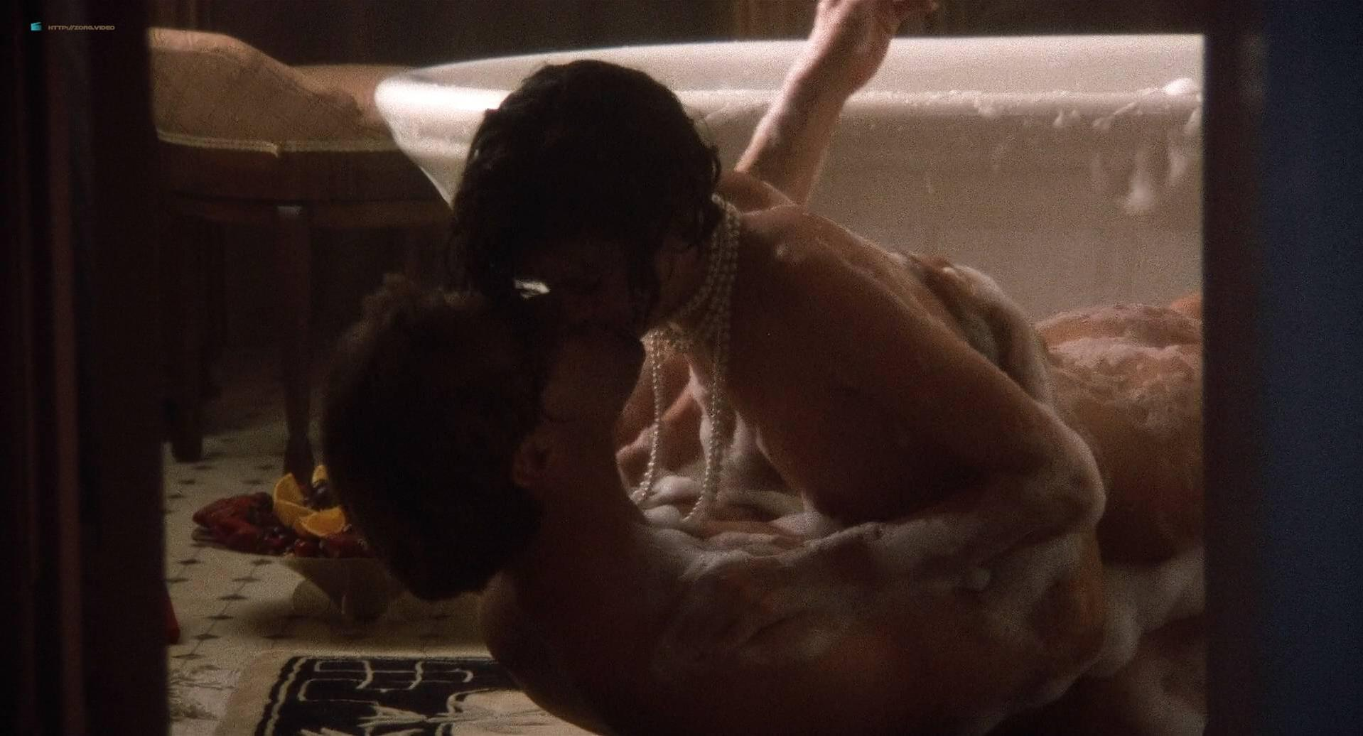 Linda Fiorentino nude - The Moderns (1988)