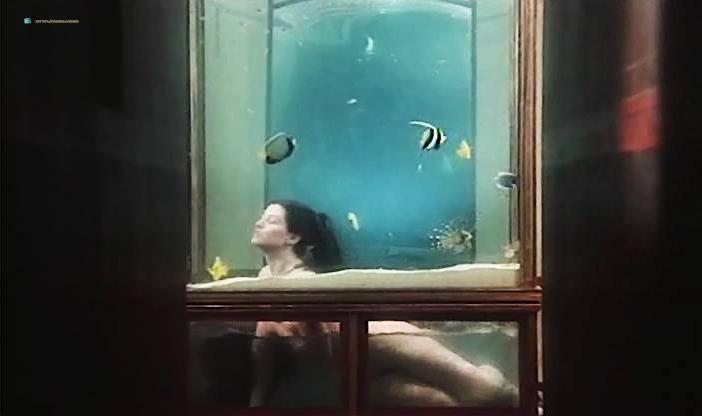 Marina Pierro nude, Milena Vukotic nude, Mireille Pame nude - Ars amandi (1983)
