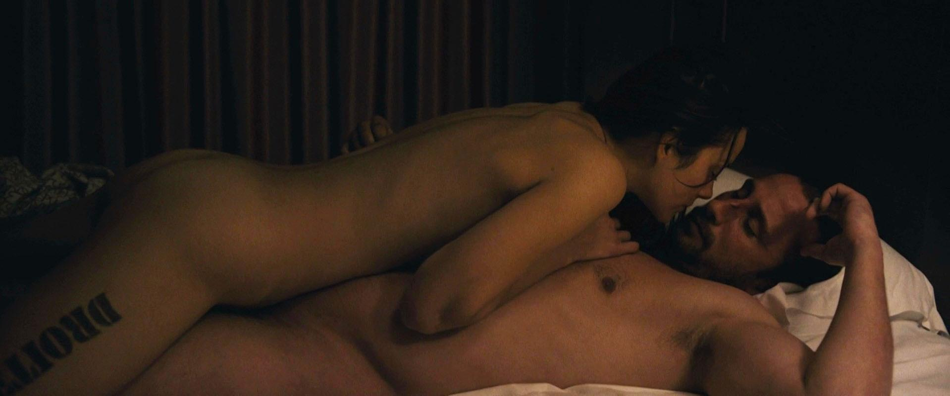 Marion Cotillard nude - Rust and Bone (2012)