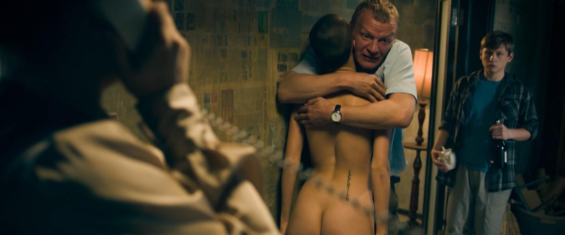 Asya Domskaya nude - Klinch (2015)