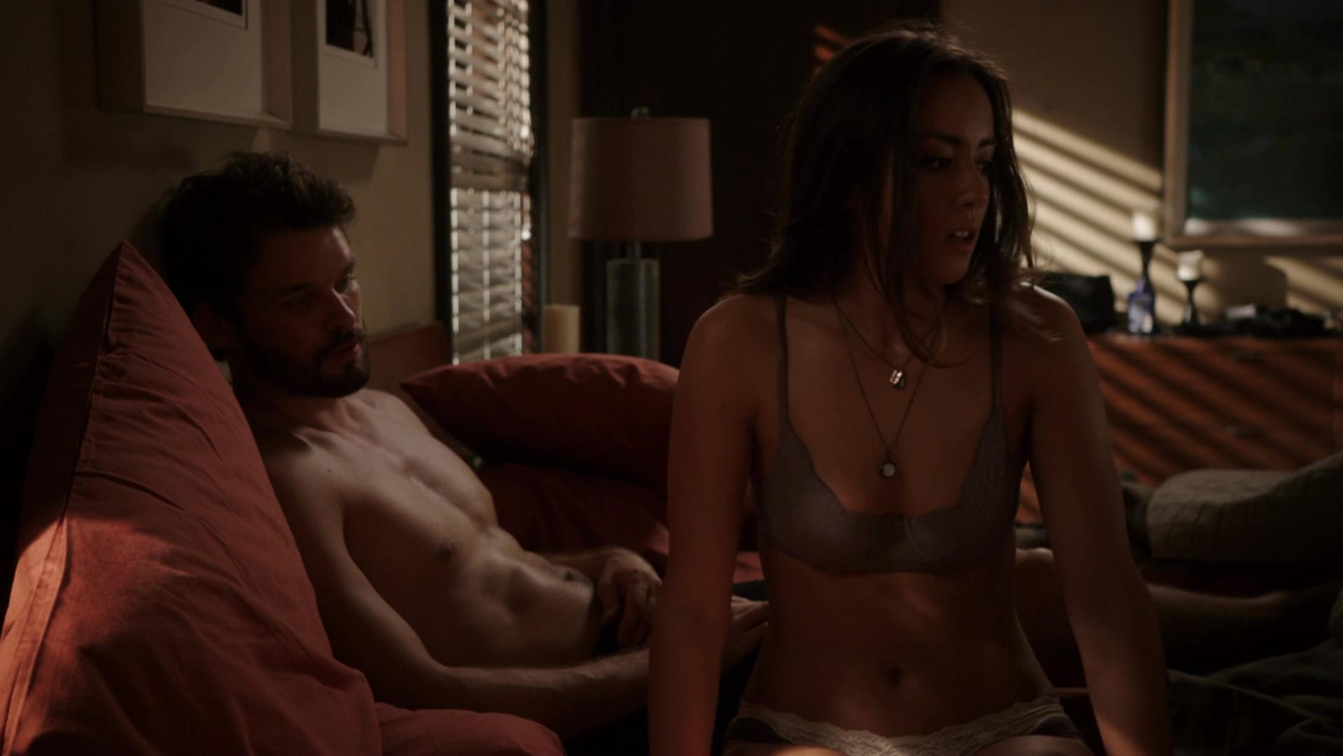 Chloe Bennet sexy - Marvels Agents of S.H.I.E.L.D. s01e05 (2013)