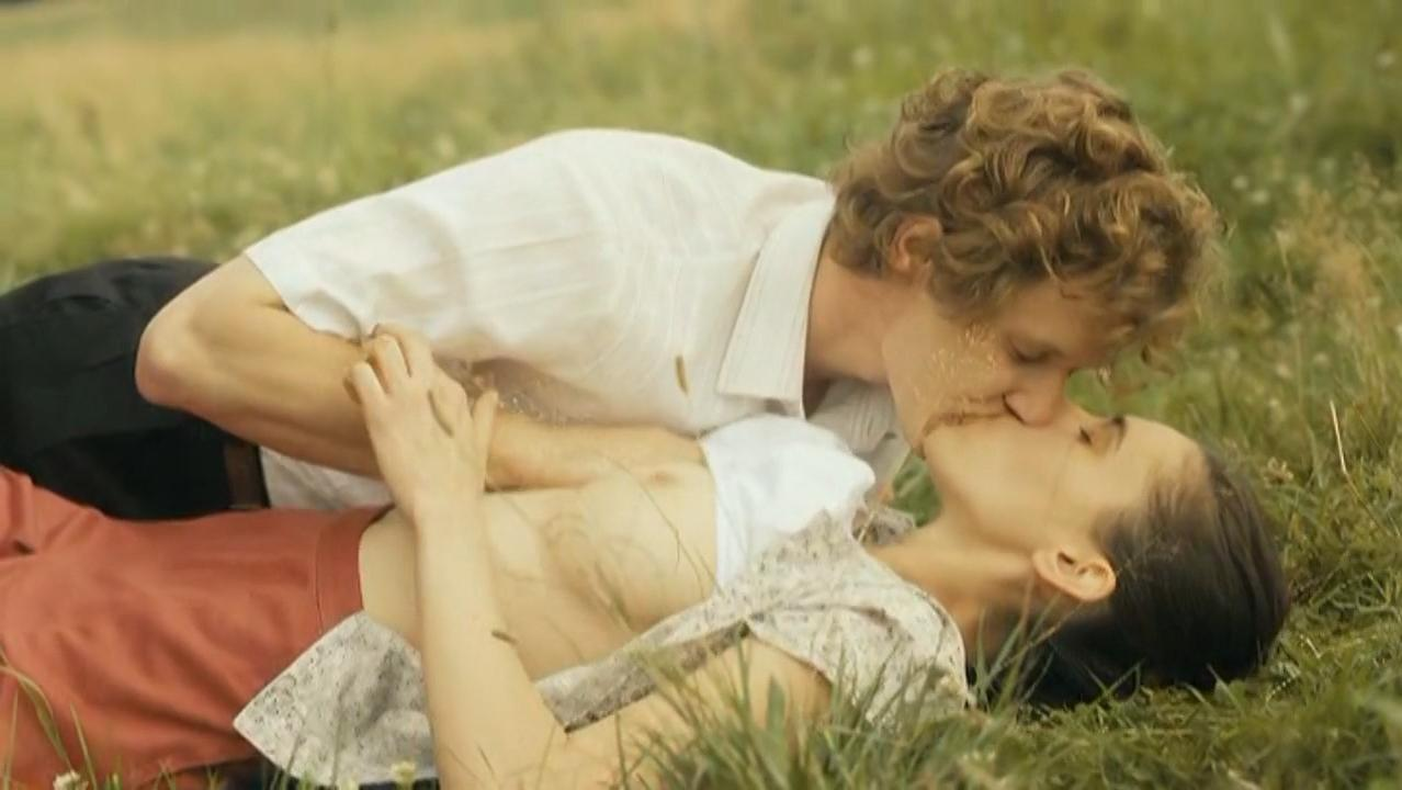 Kaja Walden nude - Bilet na Ksiezyc (2013)