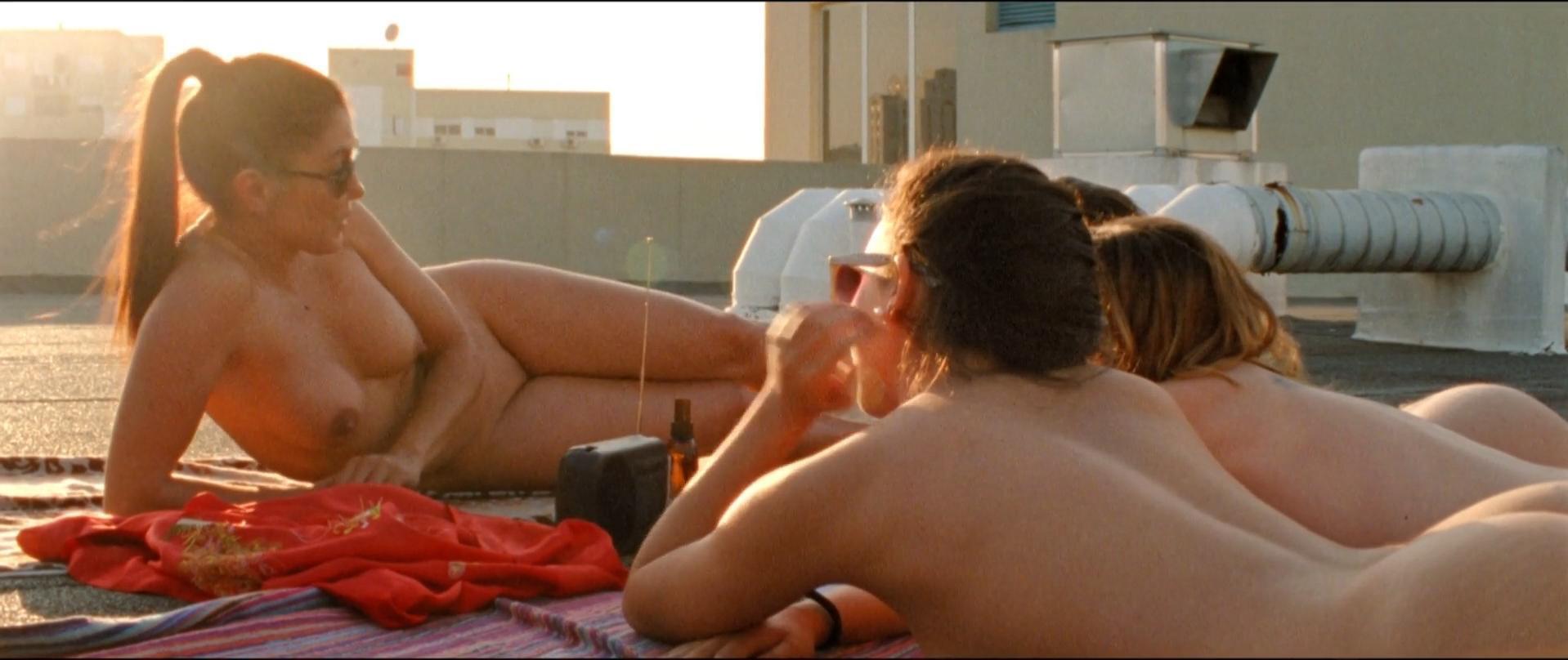 Joana de Verona nude, Sofia Costa Campos nude, Inez Gafaniz nude - As Mil e Uma Noites Volume 2 O Desolado (2015)