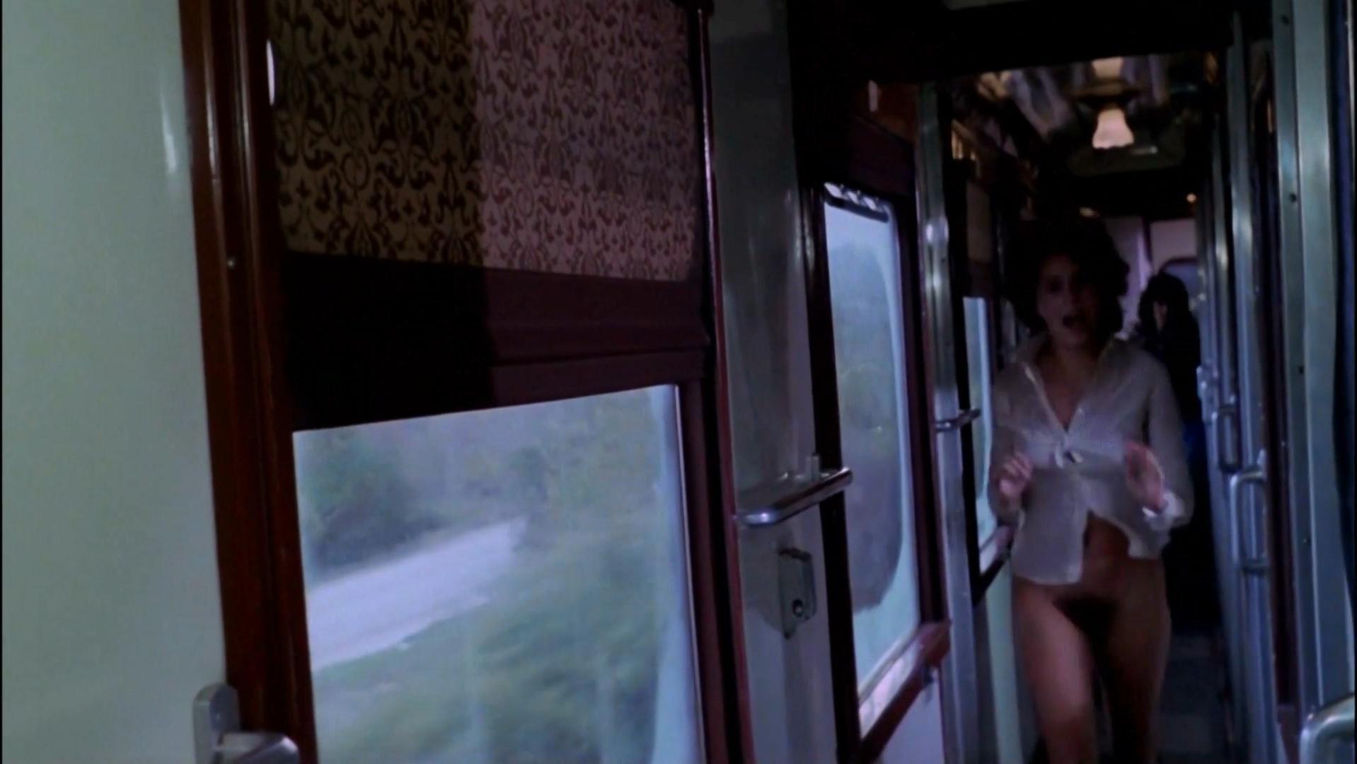 Irene Miracle nude - L'ultimo treno della notte (1975)
